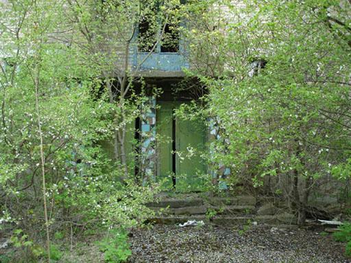 Rumah pasca ledakan bom nuklir Chernobyl